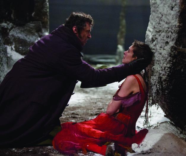 Hugh Jackman as Valjean as Anne Hathaway as Fatine in Les Miserables