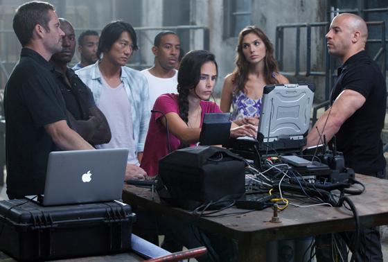 Paul Walker, Tyrese, Ludacris, Gal Galdot, Jordanna Brewster, Sung Kang and Vin Diesel in Fast 5