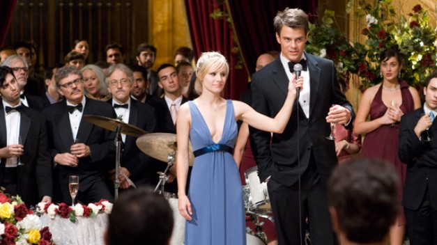 Kristen Bell with Josh Duhamel in When in Rome
