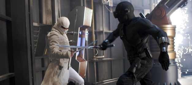 GI Joe Rise of Cobra Storm Shadow vs Snake Eyes