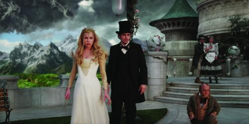 Walt Disney PicturesGlinda (Michelle Williams) and Oz (James Franco) prepare to confront The Wicked Witch.