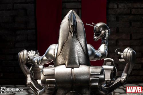 Sideshow Collectibles Ultron on the throne back