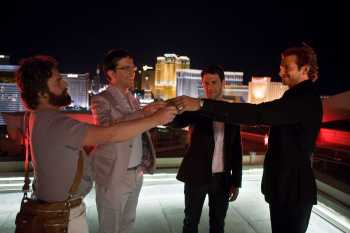 The-Hangover the wolfpack on Las Vegas roof