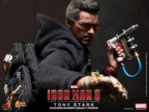 Hot Toys Iron Man 3 Tony Stark Mandarin Assault figure with gauntlet