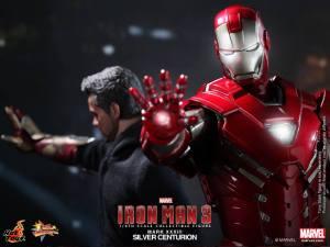 Hot Toys Iron Man 3 Silver Centurion armor with Stark