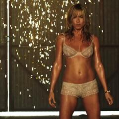 Jennifer Aniston stripper We're the Millers