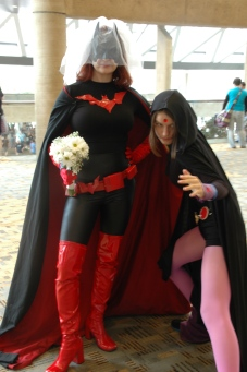 Baltimore Comic Con 2013 - married Batwoman and Raven