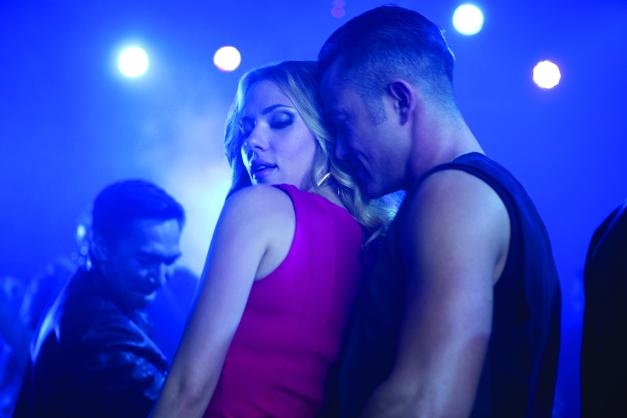 Daniel McFadden/Relativity Media Barbara (Scarlett Johansson) and Jon (Joseph Gordon-Levitt) in the club.
