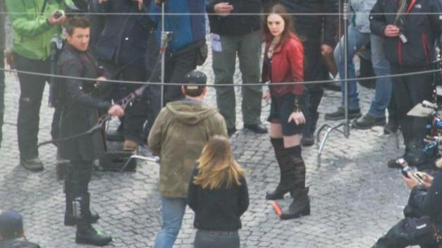 Hawkeye and new costume3 in Avengers Age of Ultron