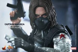 Hot Toys Captain America The Winter Soldier - Winter Soldier maskless with guns