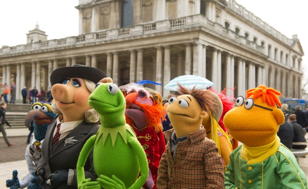 Jay Maidment/Disney Enterprises, Inc. Gonzo, Miss Piggy, Kermit the Frog, Floyd, Walter and Scooter.