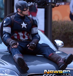 Captain-America-Avengers-Age-of-Ultron-Costume2
