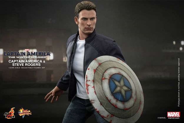 Hot Toys Captain America The Winter Soldier - Steve Rogers side close up with shield