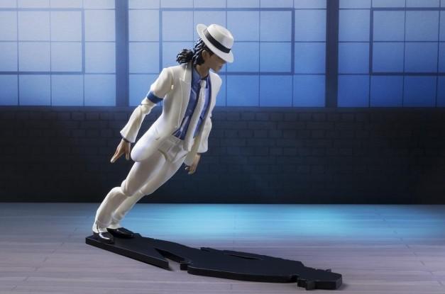 SH Figuarts Michael Jackson - Smooth Criminal figure leaning
