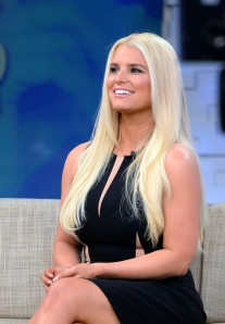 Jessica Simpson looks amazing on stage at Good Morning America
