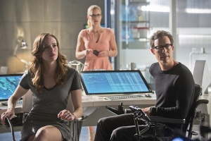 Arrow Flash crossover - Caitlin, Felicity and Wells