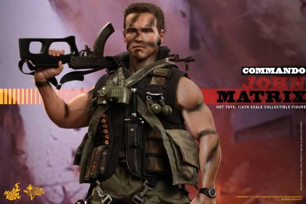 Hot Toys Commando - John Matrix figure - with gun on shoulder