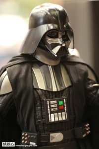 Hot Toys Star Wars Darth Vader2