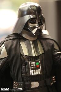 Hot Toys Star Wars Darth Vader2