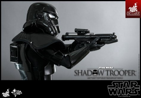 Hot Toys Star Wars Shadowtrooper - side shot