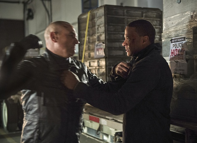 Arrow - Left Behind - Brick vs Diggle2