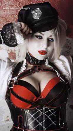 Cosplay - Harley Quinn SLC - as Arkham Knight Harley