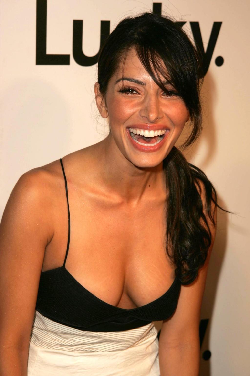 sarah shahi cleavage