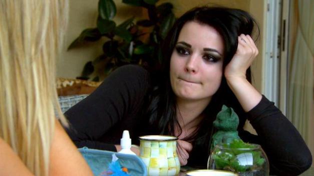 Total Divas - Paige confesses