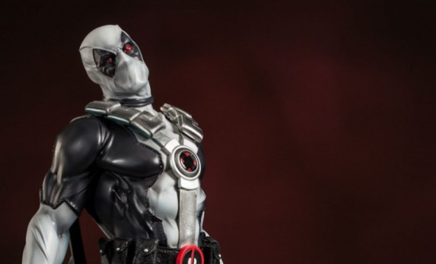 deadpool premium format figure - main