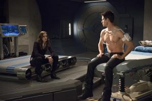 The Flash - The Nuclear Man - Caitlin and Ronnie