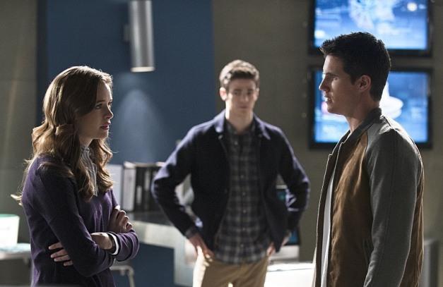 The Flash - The Nuclear Man - Caitlin, Barry and Ronnie
