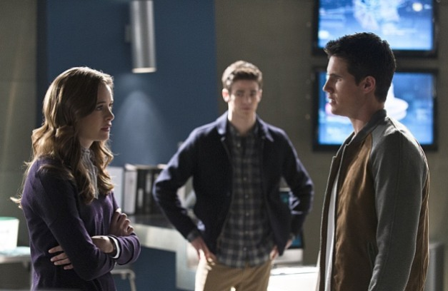 The Flash - The Nuclear Man - Caitlin, Barry and Ronnie
