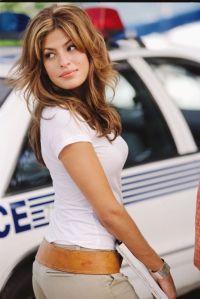 2 Fast 2 Furious - Eva Mendes walking back