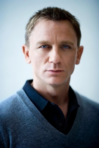Daniel Craig blue