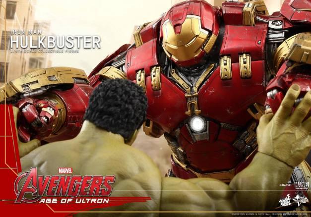 Hot Toys Avengers Age of Ultron - Hulkbuster Iron Man - locking up with Hulk