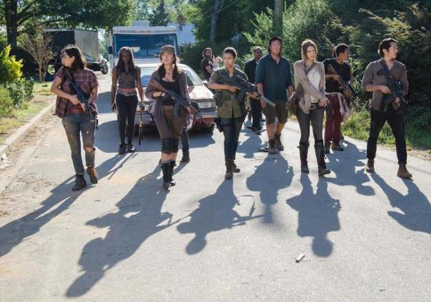The Walking Dead - Remember - Grimes Gang arrives in Alexandria