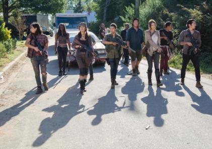 The Walking Dead - Remember - Grimes Gang arrives in Alexandria