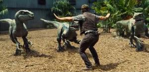 Chris Pratt Jurassic World raptor scene