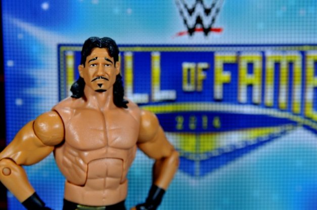 Eddie Guerrero Hall of Fame figure review -with Hall of Famer inner package