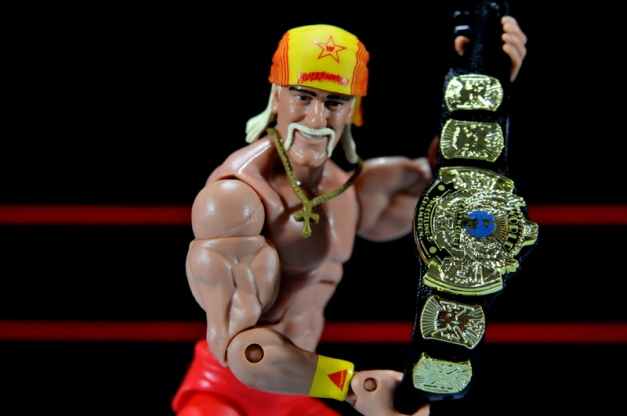 Hulk Hogan Hall of Fame figure - close up with belt