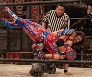 Lucha Underground - Aerostar vs Johnny Mundo