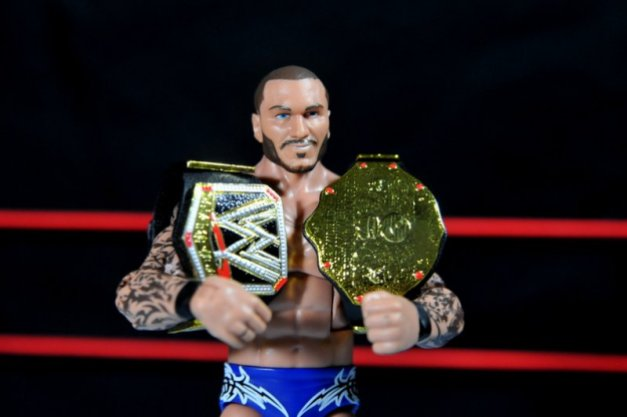 Randy Orton Mattel WWE Elite 35 -Orton with WWE and World title belts