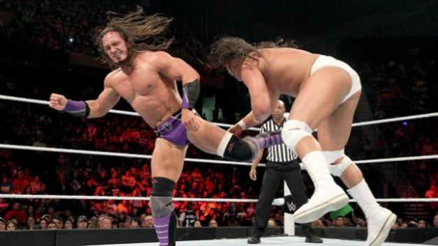 WWE Elimination Chamber 2015 - Neville ve Bo Dallas