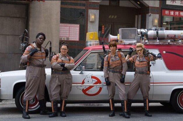 """First look at the cast of Ghostbusters in costume. #Ghostbusters"""