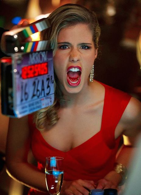 Emily-Bett-Rickards-on Arrow set