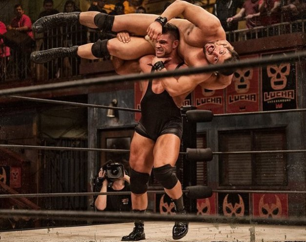 Lucha Underground 6-24-15 - Cage vs The Moth