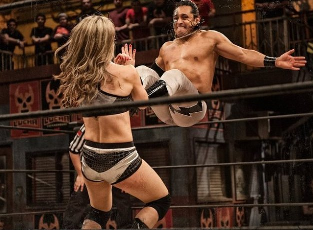 Lucha Underground 6-24-15 - Superfly vs Sexy Star