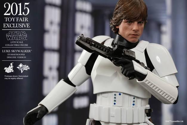 Luke Skywalker stormtrooper disguise Hot Toys -running