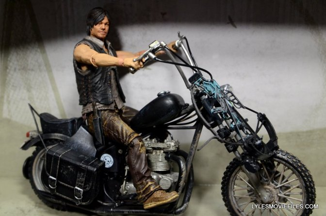 The Walking Dead Daryl Dixon deluxe figure review McFarlane Toys