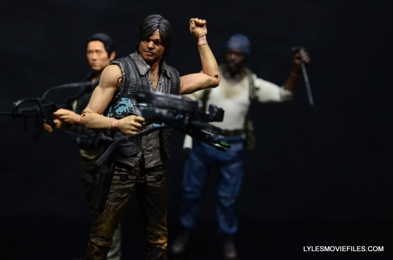 Daryl Dixon Walking Dead deluxe figure -with Glenn and Tyrese